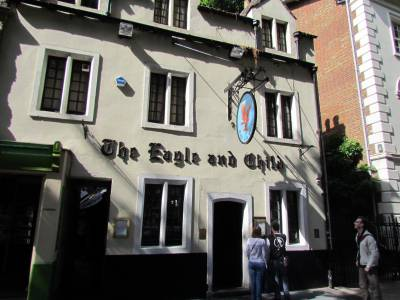Le pub The Eagle and Child cher aux Inklings