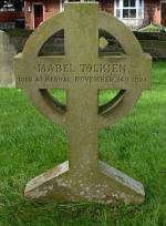 Tombe de Mabel Tolkien, au cimetière de St Peter's Catholic Church à Bromsgrove